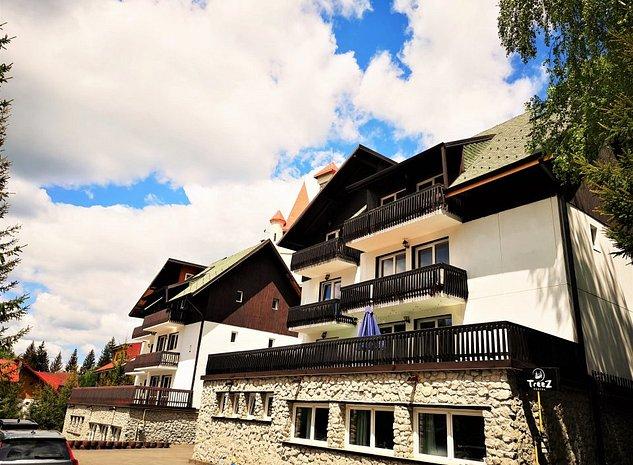 Complex 2 vile cu priveliste, la marginea padurii in Poiana Brasov - imaginea 1