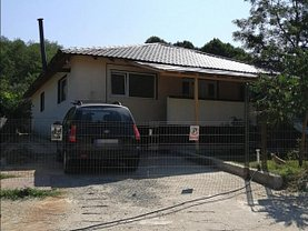Casa de vânzare 4 camere, în Smeura