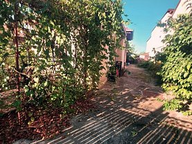 Casa de vânzare 3 camere, în Târgovişte, zona Micro 11