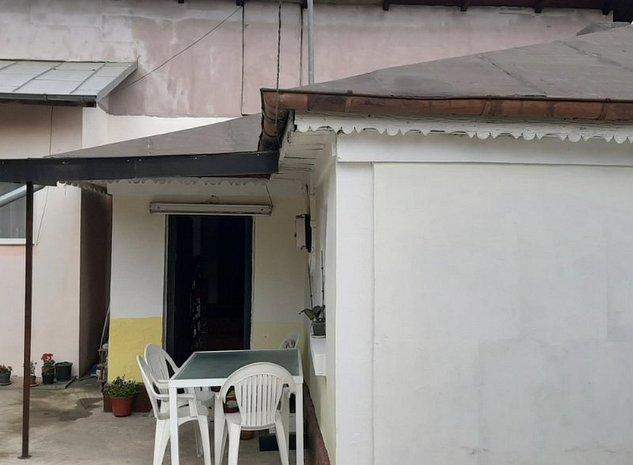 Casa la Curte Zona Brancoveanu - imaginea 1