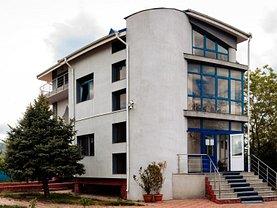 Casa de închiriat 10 camere, în Galati, zona Piata Centrala