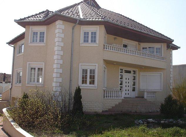 Casa de vanzare in Arad, 500mp utili/3 nivele, 1000mp teren, piscina - imaginea 1