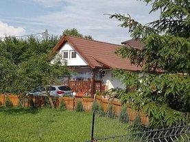 Casa de vânzare 3 camere, în Sadu