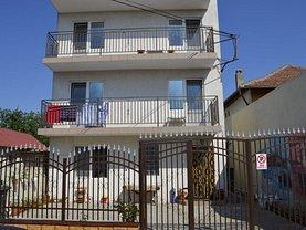 Casa de vânzare 15 camere, în Costineşti, zona Central