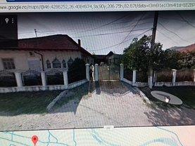 Casa de vânzare 10 camere, în Comăneşti, zona Central