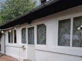 Casa de vânzare 3 camere, în Săceni