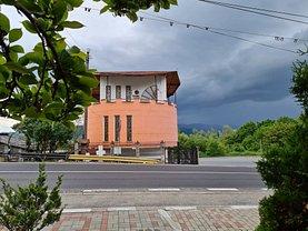 Casa de vânzare 2 camere, în Călimăneşti, zona Central