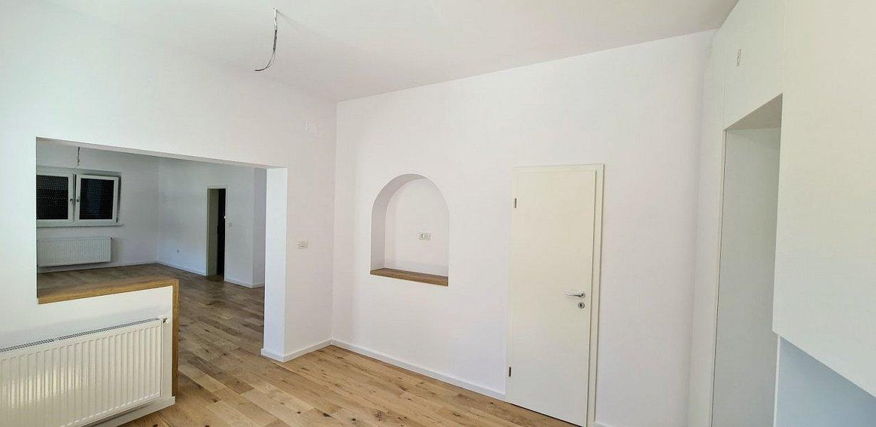 Casa cu doua apartamente - recent renovata - imaginea 7