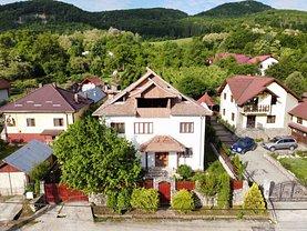 Casa de vânzare 8 camere, în Valea Cheii