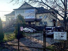 Casa de vânzare 10 camere, în Râureni