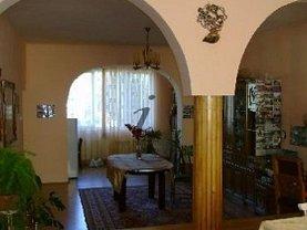 Casa de închiriat 10 camere, în Sibiu, zona Sub Arini