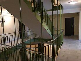 Apartament de închiriat 3 camere, în Arad, zona Intim