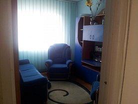 Apartament de vânzare 4 camere, în Plopeni, zona Central