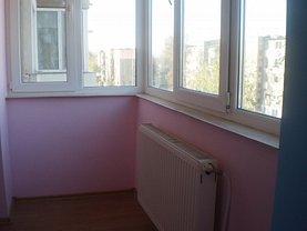 Apartament de vânzare 2 camere, în Hunedoara, zona Micro 4
