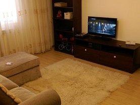 Apartament de vânzare 3 camere, în Slatina, zona Central