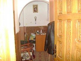 Apartament de vânzare 3 camere, în Bacau, zona Mioritei