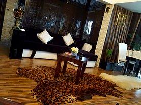 Apartament de vânzare 2 camere, în Galati, zona Piata Centrala