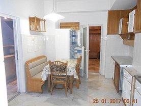 Apartament de închiriat 7 camere, în Constanta, zona Central