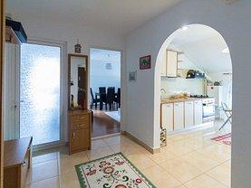 Apartament de vânzare 3 camere, în Buzau, zona Est