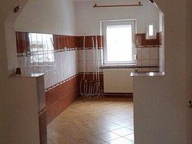 Apartament de vânzare 3 camere, în Roman, zona Sud-Vest