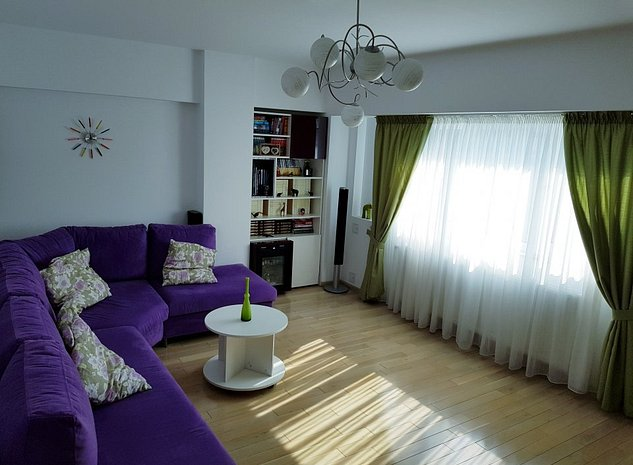 Apartament de LUX, cu 4 camere intr-un bloc exclusivist din Piata Romana - imaginea 1