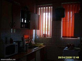 Apartament de vânzare 3 camere în Rasnov, Sud