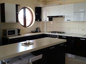 Apartament de vânzare 3 camere, în Mamaia-Sat, zona Central