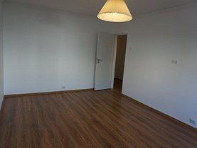 Apartament de închiriat 3 camere, în Pitesti, zona Popa Sapca
