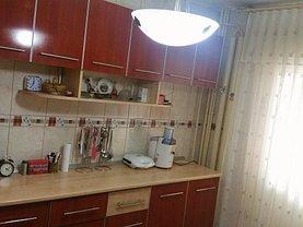 Apartament de vânzare 4 camere în Ramnicu Valcea, Calea lui Traian-Sud