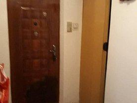 Apartament de vânzare 3 camere în Alexandria, Vest