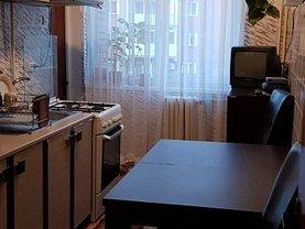 Apartament de vânzare 3 camere, în Ramnicu Valcea, zona Central