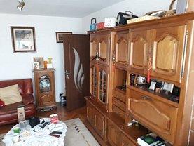 Apartament de vânzare 3 camere, în Braila, zona Plantelor