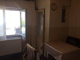 Apartament de vânzare 3 camere în Mihailesti, Central