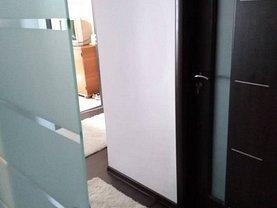 Apartament de vânzare 3 camere în Calarasi, Central