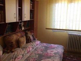 Apartament de vânzare 3 camere, în Arad, zona Intim