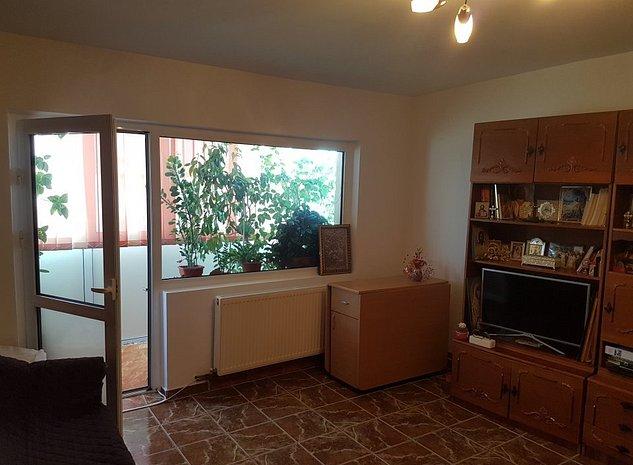 Apartament 2 camere, decomandat, mobilat si utilat - imaginea 1