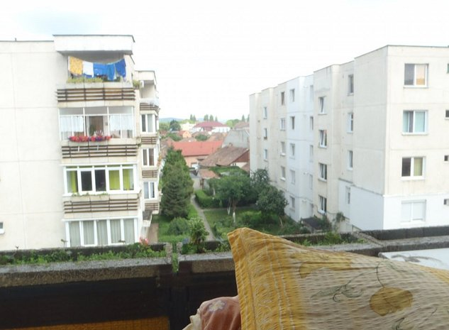 Apartament 2 camere, comfort I sporit, etaj intermediar in cart. 7 Noiembrie - imaginea 1