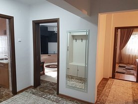 Apartament de închiriat 3 camere, în Constanta, zona City Park Mall