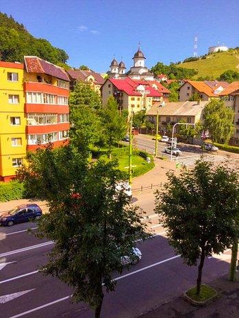 Vând apartament 4 camere Racadau - imaginea 1