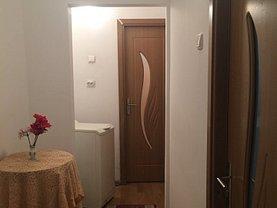 Apartament de vânzare 3 camere, în Craiova, zona Craioviţa Nouă