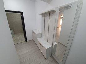 Apartament de vânzare 4 camere, în Ramnicu Valcea, zona Central