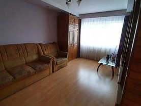 Apartament de vânzare 3 camere, în Ploiesti, zona Malu Rosu