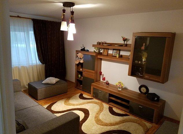 Proprietar vand apartament 3 camere zona E 3 - imaginea 1