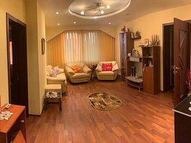 Apartament de vânzare 4 camere, în Ghimpati
