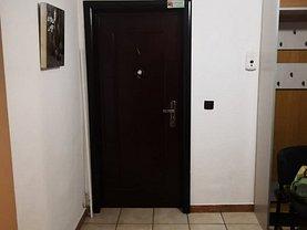 Apartament de închiriat 3 camere, în Bacau, zona Narcisa
