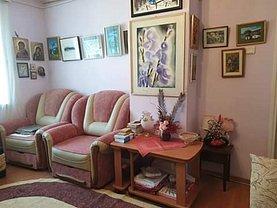 Apartament de vânzare 4 camere, în Piatra-Neamţ, zona Dărmăneşti