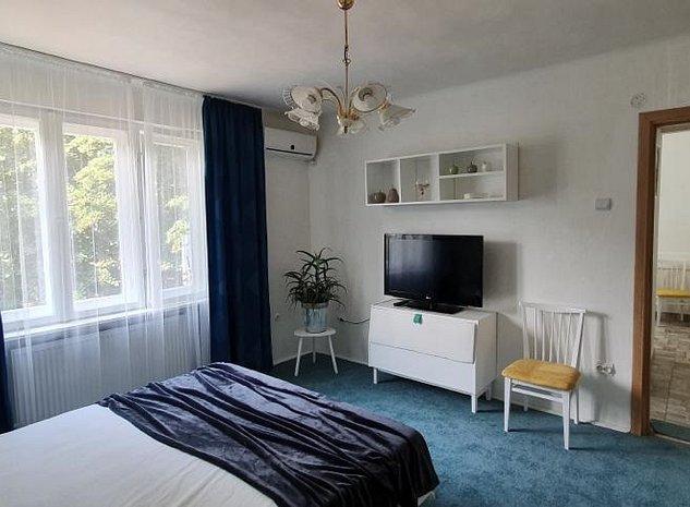 Proprietar, închiriez apartament cu 1 camera, zonă centrală - imaginea 1