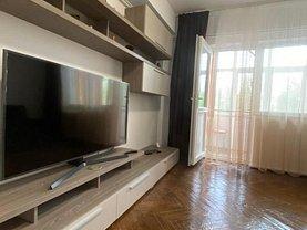 Apartament de închiriat 3 camere, în Constanţa, zona Faleza Nord
