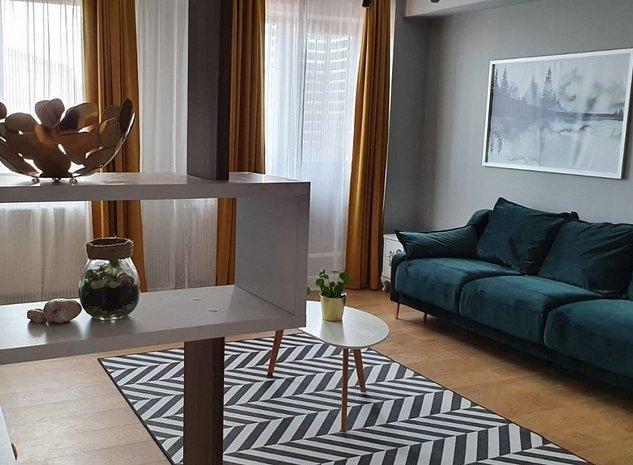 De vanzare Apartament 3 camere, complet mobilat + loc de parcare, Damaroaia - imaginea 1