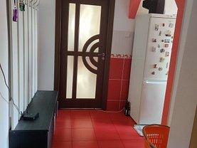Apartament de vânzare 3 camere, în Reşiţa, zona Micro I
